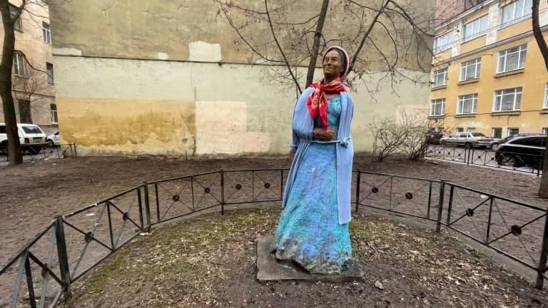 В сквер Дровяного переулка осенью вернут отреставрированную скульптуру Венеры Коломенской 2