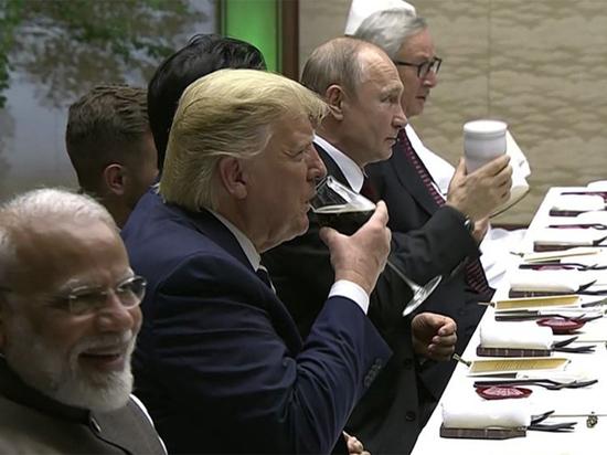 путин со своим термосом на g20