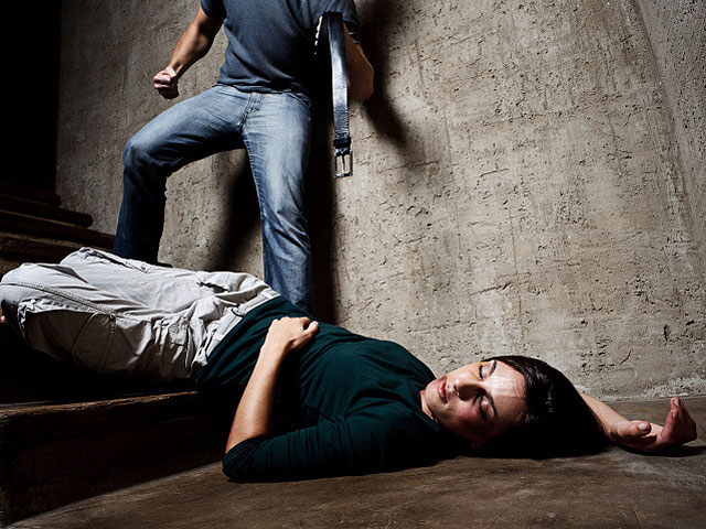 бить мужа во сне за измену работы